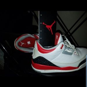 Jordan 3 Fire Red size 12